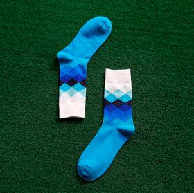 Lyseblå sokker med mønster
