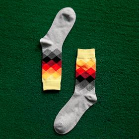 Lysegrå sokker med mønster